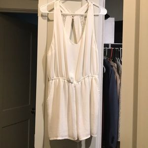 White romper, perfect for summer!